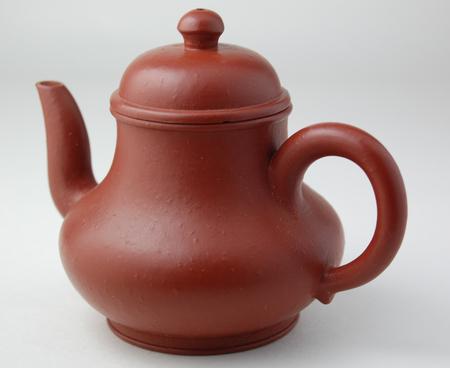 http://veggiechinese.net/teadrunk/TN_red_narrow_pearpot1.jpg